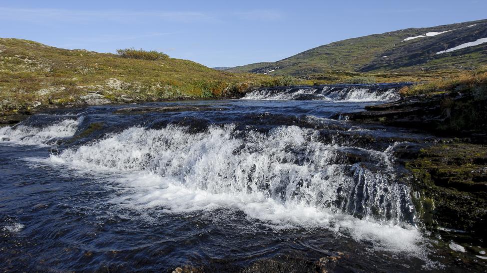Elv fra Selhamarvatnet